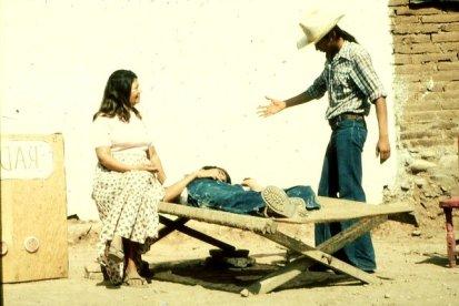 En 'Las Medicinas que Matan' Miguel Angel actuó el papel del trabajador de la salud del pueblo