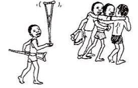 Llevando sus muletas, le ayudan a bajar la empinada cuesta hacia el río, donde Pedrito con los brazos fuertes por el uso de sus muletas puede nadar tan bien o mejor que los otros.