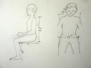 Los niños y el maestro ayudaron a tomar las medidas básicas para la silla de ruedas de Tonio.