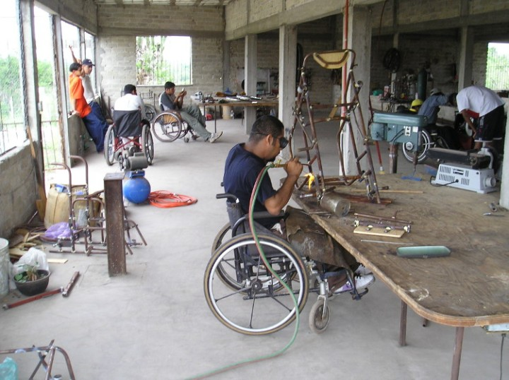 Tomás, making a wheelchair in the PROJIMO Duranguito wheelchair shop.